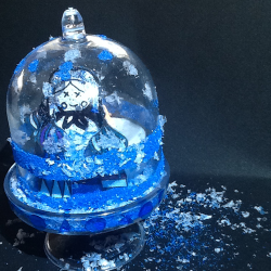 Décorer sa maison avec une mini cloche sous verre inspirée des décorations russes