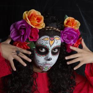 Coiffure Halloween : 10 vidéos pour des coiffures effroyables . Ne cherchez plus car voici des tutos pour coiffer son enfants en sorcière, citrouille, araignée et autres monstres pour halloween. 10 vidéos tirées de youtube, même plus besoin de chercher d'