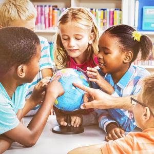 Education - mot du glossaire Tête à modeler. L'éducation est l'action d'instruire ... Définition et activités associées au mot Education.