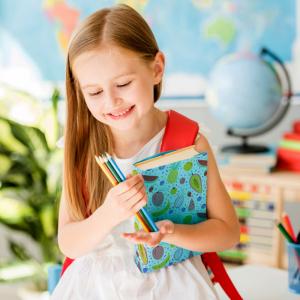 Les enfants adorent personnaliser leurs fournitures scolaires. Avec nos couvertures de cahiers à imprimer, ils vont pouvoir le faire en un rien de temps.