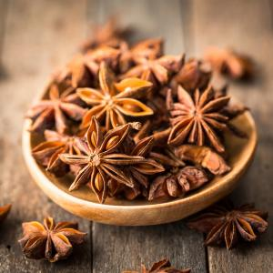 Anis: Mot du glossaire Tête à modeler. l'anis est une plante aromatique...   Activités associées.