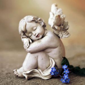 Ange: Mot du glossaire Tête à modeler. Dans certaines religion l'ange est l'envoyé de Dieu. Activités associées.