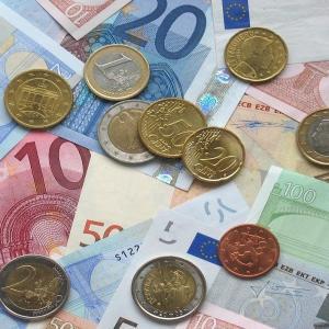 Argent : Mot du glossaire Tête à modeler. L'argent est un métal précieux. Activités associées