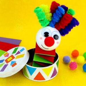 Découvrez une activité amusante et facile qui permettra aux enfants de fabriquer un clown rigolo et coloré monté sur un ressort en papier.    Un bricolage créatif idéal à faire pendant le Carnaval !