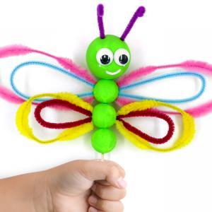 Dans ce tutoriel nous allons vous montrer comment fabriquer des jolis papillons colorés avec des boules en polystyrène et des chenilles!    Une activité créative super facile qui va plaire aux enfants!