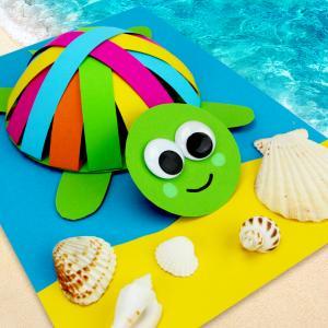 Au cours de cette activité les enfants apprendront à fabriquer une joli tortue en 3D à l'aide de quelques feuilles de papier, une paire de ciseaux et un tube de colle.    Un bricolage amusant et facile que tous les enfants pourront faire à la mai