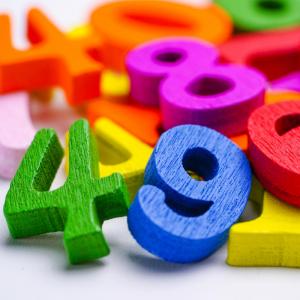 nombre - mot du glossaire Tête à modeler. Définition et activités associées au mot nombre.
