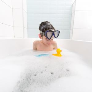 Baignoire - mot du glossaire Tête à modeler. Une baignoire est une grande cuve servant à prendre des bains. éfinition et activités associées au mot baignoire.