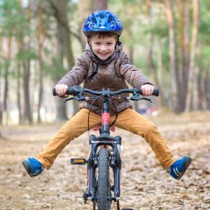 bicyclette - mot du glossaire Tête à modeler. Une bicyclette est un véhicule à deux roues. Définition et activités associées au mot bicyclette.