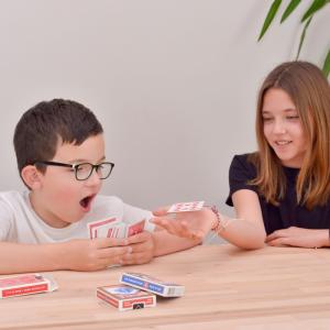Découvrez The MagicBox, une box pour apprendre la magie à partir de 7 ans ! La magie permet de développer la créativité, la dextérité et l'estime de soi.