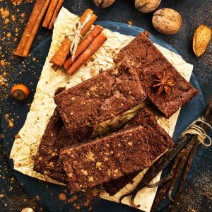 Une recette de brownies aux noix de pécan américains. Les brownies et les noix de pécan sont aussi symbolique des Etats-Unis l'un que l'autre ! Cette recette de brownies aux noix de pécan marie parfaitement bien