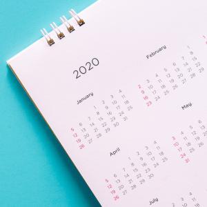 calendrier - mot du glossaire Tête à modeler. Le calendrier est le système de division du temps. Définition et activités associées au mot calendrier.