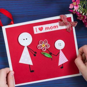 Une jolie carte de Fête des mères DIY à fabriquer afin de l'offrir à sa maman pour la Fête des mères. Elle sera très contente de recevoir cette carte accompagnée d'un petit mot tout doux