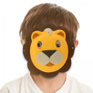 Coloriage d'un masque de lion en papier comprimé blanc