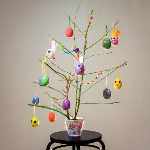 Un tuto pour réaliser un arbre de Pâques avec les enfants