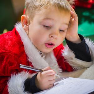 Pouvoir échanger avec le Père Noël, quel enfant n'en a jamais rêvé ? Face à cette demande, de nombreux parents se sentent dépourvus et ne s...