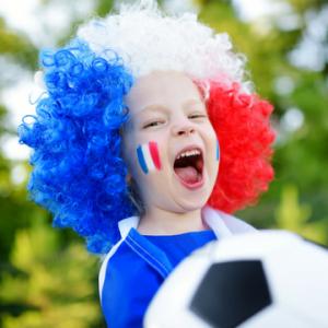 La coupe du monde 2018 aura lieu en Russie du 14 juin au 15 juillet 2018. Découvrez des infos sur la plus célèbre des compétitions sportives mais aussi des coloriages sur le football, des jeux éducatifs et même des idées d'activités manuelles pour créer v