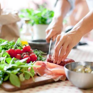 cuisine - mot du glossaire Tête à modeler.   Définition et activités associées au mot cuisine.