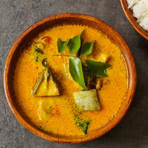 La cuisine exotique est à la mode, profitez-en pour faire découvrir de nouvelles saveurs aux enfants. La recette du curry de poulet est une occasion de les faire voyager et de partir à la découverte du Viet Nam.