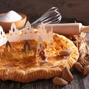 Date de la galette des rois afin de savoir à quel moment il sera possible de déguster de délicieuse galette à la frangipane ou à la pomme. Une personne en particulier sera chanceux et pourra être couronné roi ou reine !
