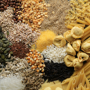 Parmi les possibilités que vous avez pour décorer vos objets en pâte à sel, les pâtes et les graines sont les plus connues. Mais il existe plein d'autres idées et astuces pour faire de jolies décorations. Retrouvez toutes nos idées sans plus attendre.