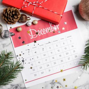 Décembre - mot du glossaire Tête à modeler. Définition et activités associées au mot décembre.