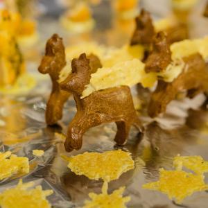Des biscuits apéritifs en forme de Rennes pour une décoration qui se mange