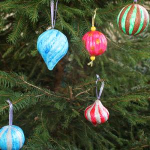 Faire maison des boules de Noël