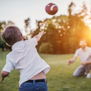 Les enfants ne bougent pas suffisamment, ils sont moins résistants et moins endurants que leurs parents au même âge ! Ce n'est pas moi qui le dit mais les médecins et les chercheurs. La faute en serait aux jeux vidéo et aux consoles en tous genres. Détour