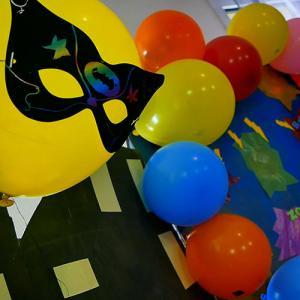 Une bonne idée de décoration pour un anniversaire de super héros