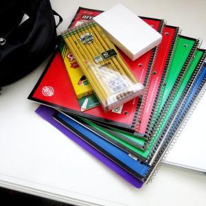 Avant chaque rentrée scolaire, la même question se pose : quel cartable acheter avant la rentrée scolaire ? Le choix du cartable peut vite devenir un vrai casse-tête, mais il sera de toutes les façons u