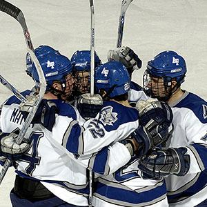 """Si le jeu de Hockey a été introduit aux Etats Unis par les britanniques l'origine du nom est française. Le nom Hockey vient du vieux français """" hocquet """" qui signifie crosse. Retrouvez des infos sur les épreuves de Hockey aux Jeux d'hiver."""