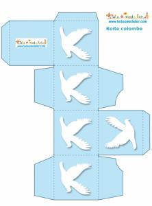 Boite carrée bleue aux colombes