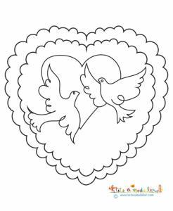 Dessin représentant deux coeurs imbriqués l'un sur l'autre et contenant deux colombes - un coloriage à imprimer pour préparer la fête des mères.