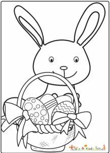 Lapin a trouvé beaucoup d'oeufs de Pâques