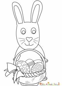 Un lapin tenant son papier plein d'oeufs