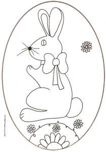 coloriage d'un oeuf de Pâques médaillon : lapin