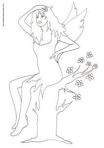 Coloriage d'une fée des bois assise sur un vieux tronc d'arbre coupé en deux par la foudre. Le simple fait de s'asseoir sur le tronc lui a redonné vie et de nouvelles petites branches sont nées. Cette fée semble chercher son chemin ?.Imprimer le colo
