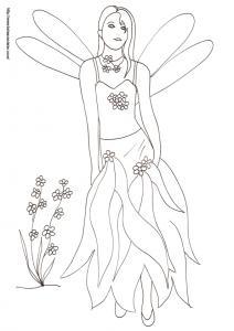 Coloriage de la fée à la double paire d'ailes ? sur ce coloriage, la fée porte une robe à large frange et décorée de fleurs fraîches accrochées