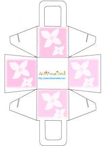 Modèle du Panier à dragées 2 fleurs blanches et fond rose