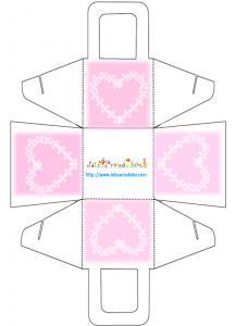 Panier de communion rose et coeur blanc