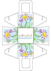 Panier à cadeau carré avec des fleurs
