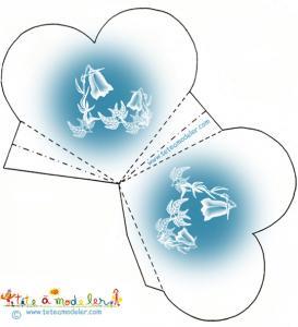 Pochette à dragées bleue aux campanules