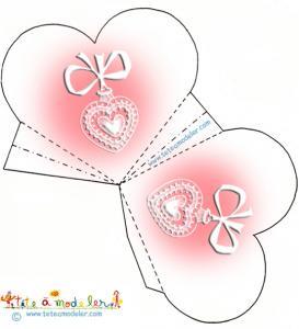 Pochette coeur motif médaille