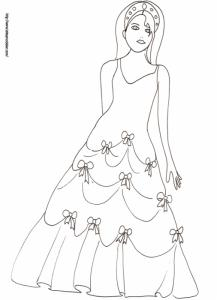 princesse avec une robe aux petits noeuds