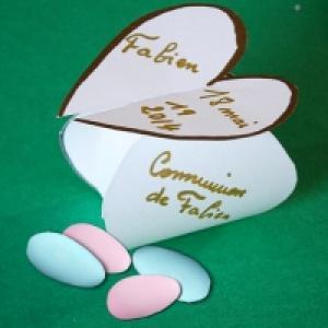 Pochette coeur pour dragées de communion