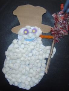 Bonhomme de neige réalisé avec des chips de Polystyrène