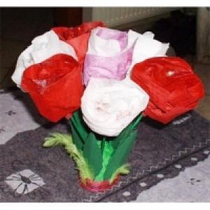 Bouquet de roses en serviettes