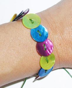 Fabriquer un bracelet boutons