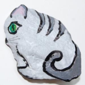 caillou peint: chat tigré